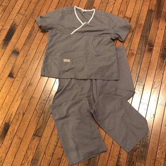 Urbane Scrubs Gray and Pink Trim Scrub Set